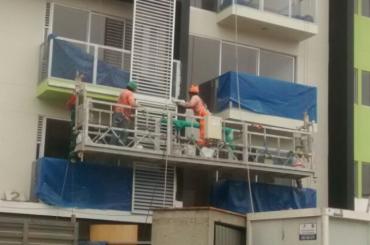 inşaat bakım halatı kaldırma platformu ltd8.0 zlp800 ile askıya alındı